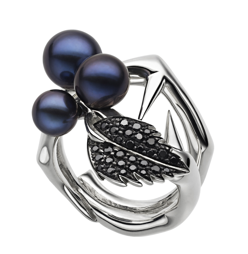 nature inspired ring with pearls and black gemstones