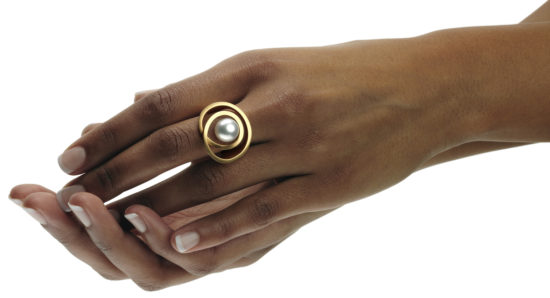 Golden ring with South Sea pearl.
